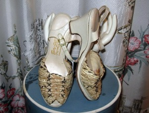vintage peeptoe sandals shoes vintage tan