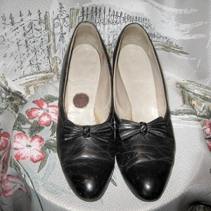 deco early 1930s black leather pumps shoes